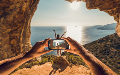 How can you take great pictures with a smartphone?